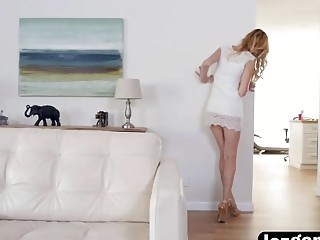 Nerdy blonde rubbing her pussy clit while sneaking on nude girlfriend